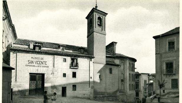 Exterior de la iglesia de San Vicente hacia 1931. Foto Aldus. Archivo Municipal de Toledo