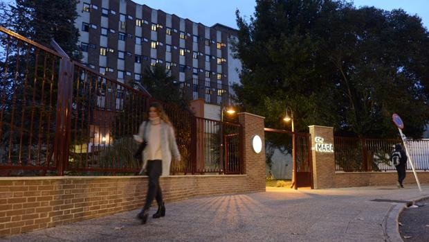 Lugar donde fue detenido el jueves el presunto delincuente, junto al Colegio Mayor Mara