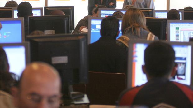 El uso apropiado de la información en Internet es un debate cada vez más frecuente a nivel global
