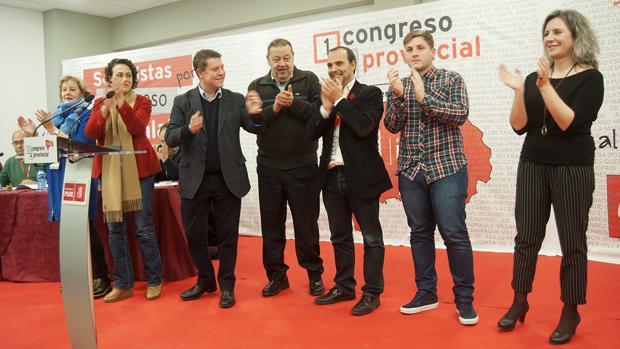 García-Page, tercero por la izquierda, durante el acto en Guadalajara