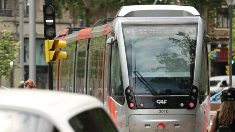 Muere un hombre tras ser atropellado por un tranvía en Zaragoza