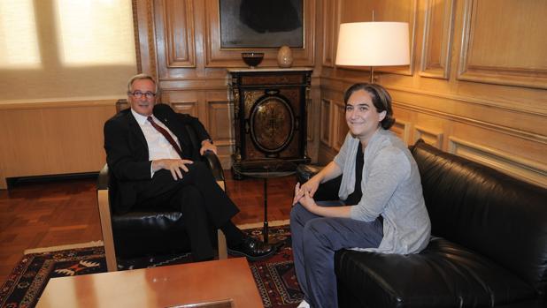 Imagen de archivo de una reunión de Xavier Trias y Ada Colau
