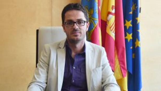 Hemeroteca: Condenan a un alcalde del PSOE por triplicar la tasa de alcohol permitida   Autor del artículo: Finanzas.com