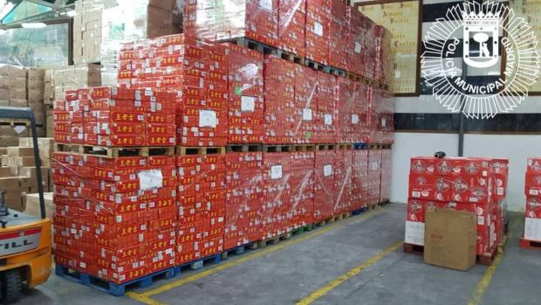 Operación refresco: requisadas 100.000 latas chinas falsificadas en Usera y Cobo Calleja