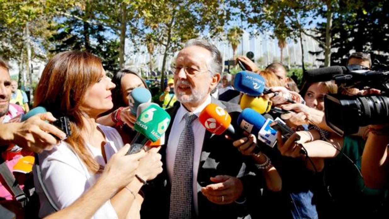 Alfonso Grau será juzgado por aceptar relojes de lujo