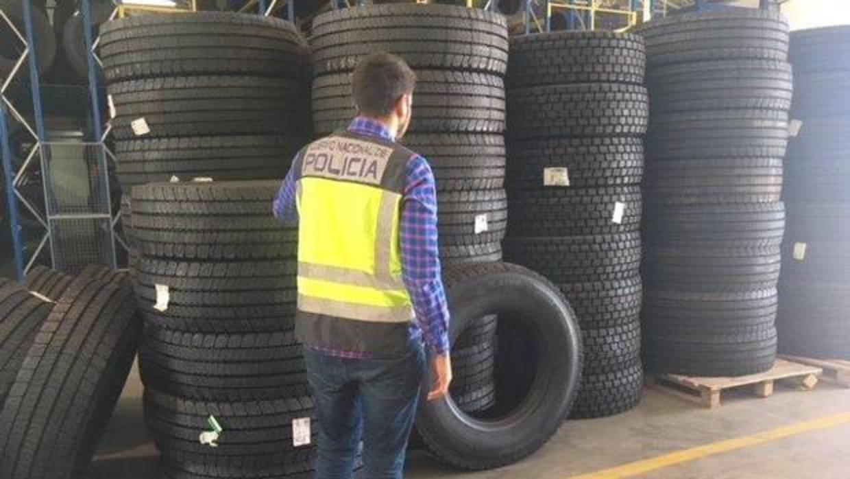 Cae una organización criminal que estafaba a empresas con grandes partidas de neumáticos de camión
