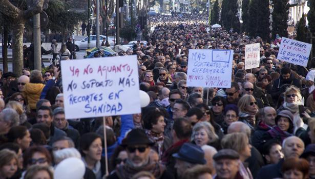 Manifestación en enero de 2017 en Salamanca convocada por la Plataforma por la Sanidad