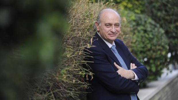 El exministro del Interior, Jorge Fernández Díaz, en una de sus últimas entrevistas con ABC