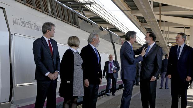 Rajoy inaugura el AVE a Castellón: «A los españoles nos va bien cuando viajamos en el mismo tren»