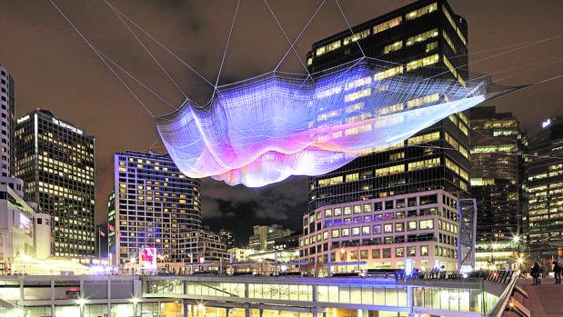 La instalación de la artista Janet Echelman, en la ciudad canadiense de Vancouver