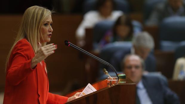 Cifuentes en un pleno de la Asamblea de Madrid