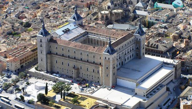 Vista aérea del Alcázar de Toledo, sede el Museo del Ejército