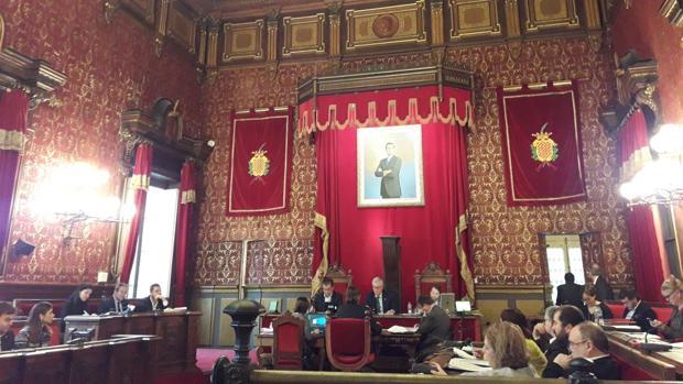 Imagen del pleno en el Ayuntamiento de Tarragona en el que se debatió el cambio de nombre