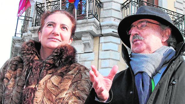 María Josefa García Cirac y Antonio Colinas, ayer en La Bañeza