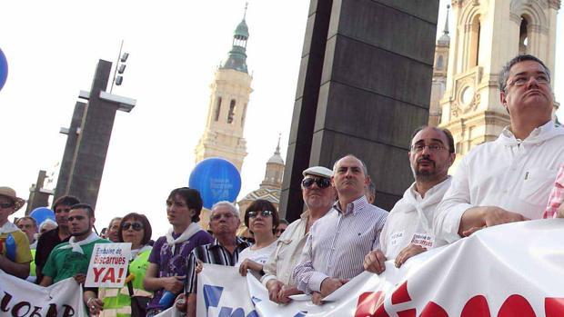 La nueva presa responde a una reivindicación histórica, reclamada en varias manifestaciones. En la imagen, la que tuvo lugar en Zaragoza en 2011