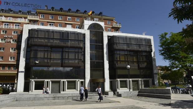 Sede del Banco Madrid, tras ser okupada por el Hogar Social