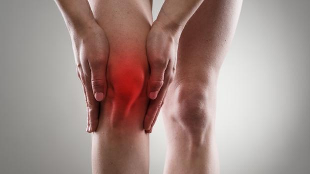 Recreación de una rodilla dolorida