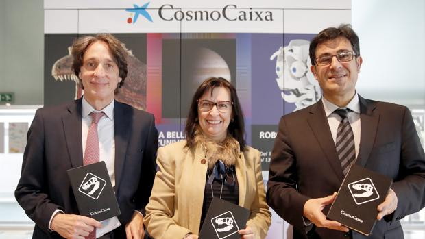 Elisa Durá junto a Jordi Portabella y Lluis Noguera durante la presentación de la nueva temporada