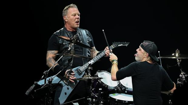 James Hetfield y Lars Ulrich, durante una actuación de Metallica