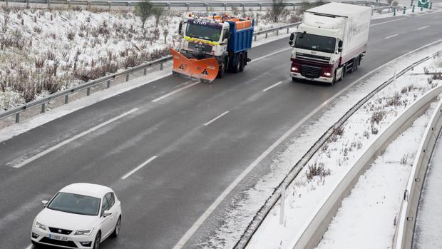 Las carreteras de Gerona estaban nevadas ayer