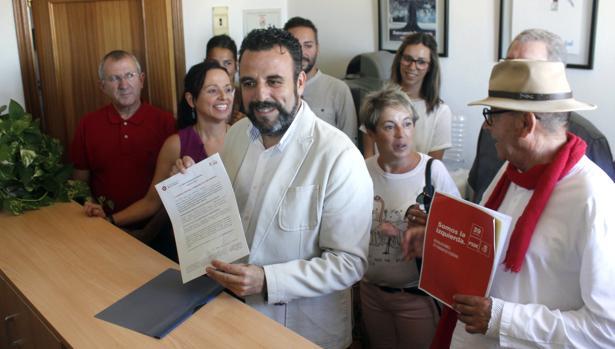 El alcalde de Azuqueca de Henares (Guadalajara), José Luis Blanco, presenta su precandidatura para optar a la Secretaría General del PSOE en 2017