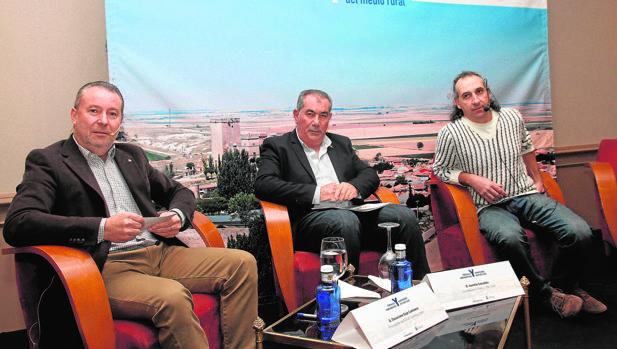 Donaciano Dujo (Asaja), Aurelio González (La Alianza UPA-COAG) y Jesús Manuel González Palacín (UCCL)