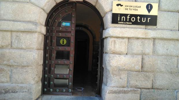 La baldosa de la oficina de turismo de toledo que te puede for Oficina de turismo de toledo capital