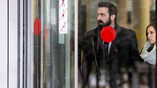 El exjefe de Gabinete de la Consejería de Gobenación Jordi Cabrafiga, tras declarar ante el juez