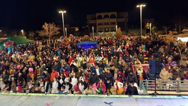 Verbena en el barrio de Santa María de Benquerencia, el pasado viernes, con motivo del carnaval