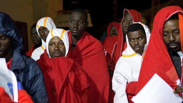 29 inmigrantes rescatados en Motril