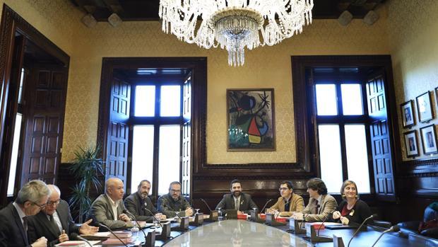 El presidente de la cámara catalana, Roger Torrent durante la reunión semanal de la Mesa del Parlament