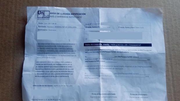 Notificación enviada por Unipost en un domicilio de Cataluña que cita para el referéndum