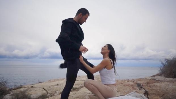 Una de las escenas del vídeo porno grabado en el Parque Natural del Peñón de Ifach de Calpe, Alicante