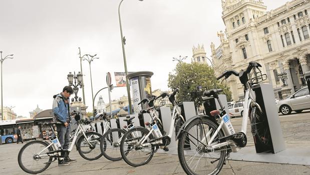 El Ayuntamiento de Madrid retrasa al lunes la comisión de Bicimad tras informar de que empezaría mañana