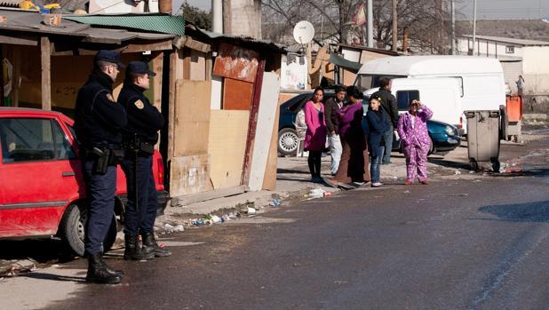 La Policía Nacional, durante un dispositivo en la Cañada