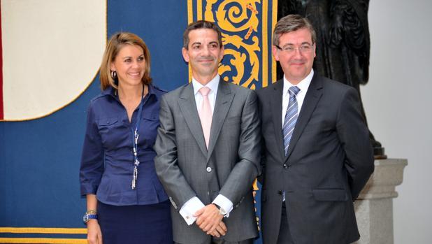Francisco Javier Morales (centro) junto a Cospedal y Marcial Marín