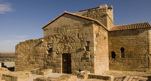 Exterior de la iglesia de Santa María de Melque