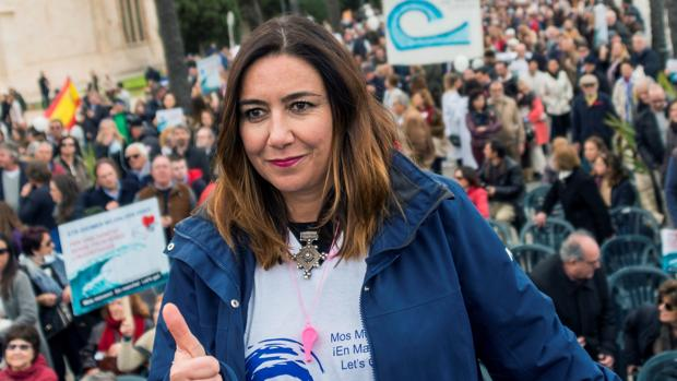 Miles de personas claman en Palma contra la exigencia del catalán en la sanidad pública de Baleares