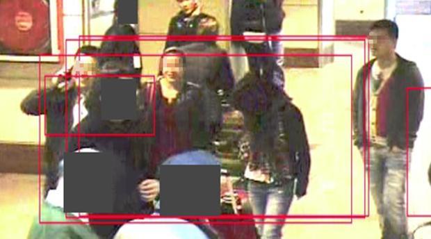 Miembros de la organización criminal, captados en el aeropuerto de Barajas