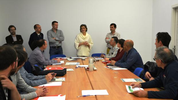 Reunión de técnicos y representantes municipales con la vicepresidenta de Turismo