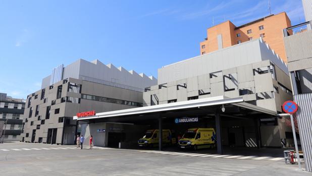 Entrada de Urgencias en el Hospital Clínico de Valladolid donde ha ingresado el hermano de la menor fallecida