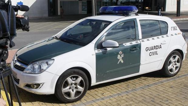 Un vehículo de la Guardia Civil de Torrevieja