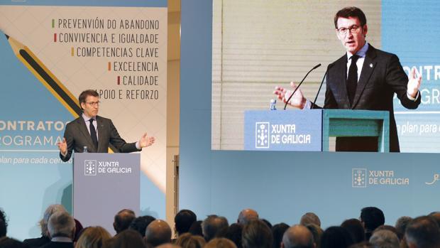 Alberto Núñez Feijóo durante su intervención ante centenares de directores de centros educativos