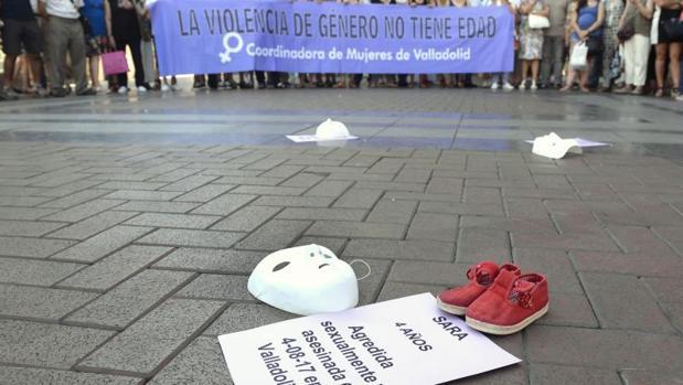 Manifestación en Valladolid, tras la muerte de Sara por supuestos malos tratos y abusos