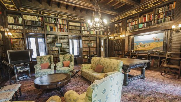 Imagen de la biblioteca del Pazo