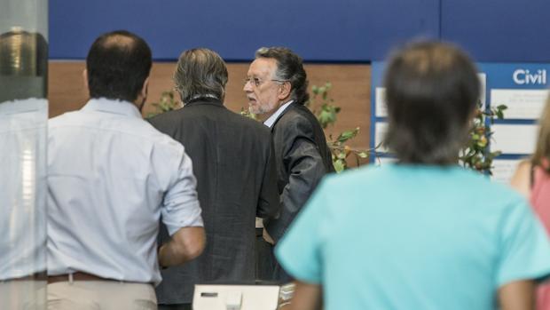 Hemeroteca: Un empresario responsabiliza al Ayuntamiento de Valencia de trabajos con la agencia que financió al PP | Autor del artículo: Finanzas.com