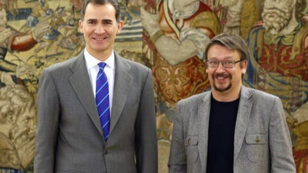 El dirigente de En Comú Podem con el Rey Don Felipe