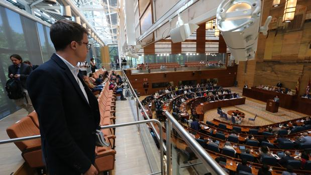 íñigo Errejón, en la Asamblea de Madrid, durante la moción de censura a Cifuentes