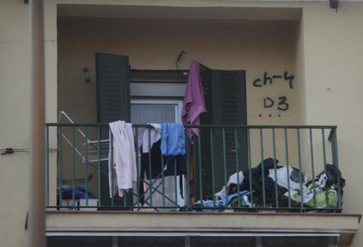 La terraza de la vivienda donde tuvo lugar la reyerta mortal