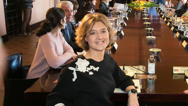 La ministra de Agricultura presidió este lunes en Zaragoza la Comisión de Seguimiento del Pacto del Agua